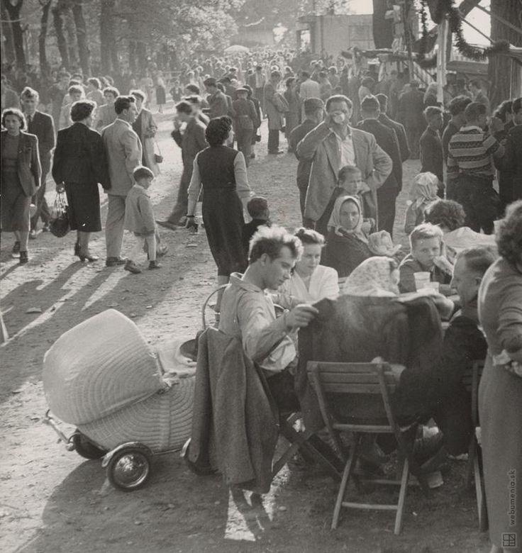 Ján Cifra: 1. máj v Petržalke:1957