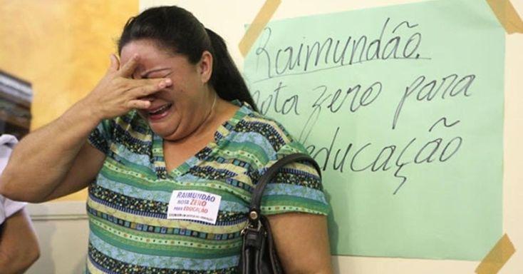 REDUÇÃO DE SALÁRIO DE PROFESSORES É CANCELADO: Menos de um mês após tirar dos professores da rede municipal uma gratificação que corresponderia a 40% dos salários, a prefeitura de Juazeiro do Norte (a 548 km de Fortaleza) não resistiu à pressão popular e voltou atrás