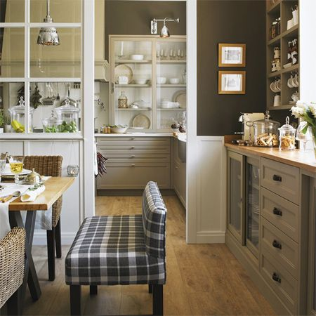 Closing off an open plan kitchen or semi open plan kitchen for Dining room off kitchen