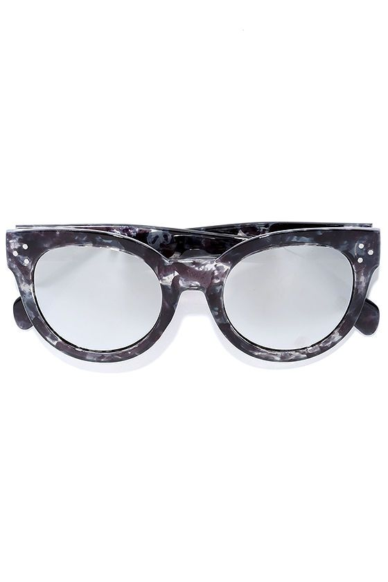 Exclamations are sure to follow a sighting of the Wowie Zowie Grey and Silver Mirrored Sunglasses! Chunky grey marbled frames with silver accents hold silver mirrored lenses.