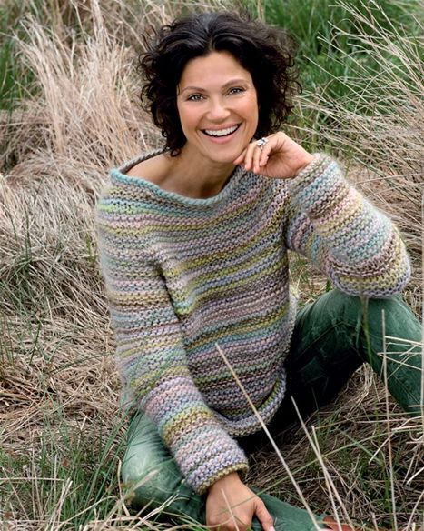 Flot sweater i retriller - Hendes Verden - Beautiful garter stitch sweater in subdued colours FREE pattern in Danish (1/2) (hva)