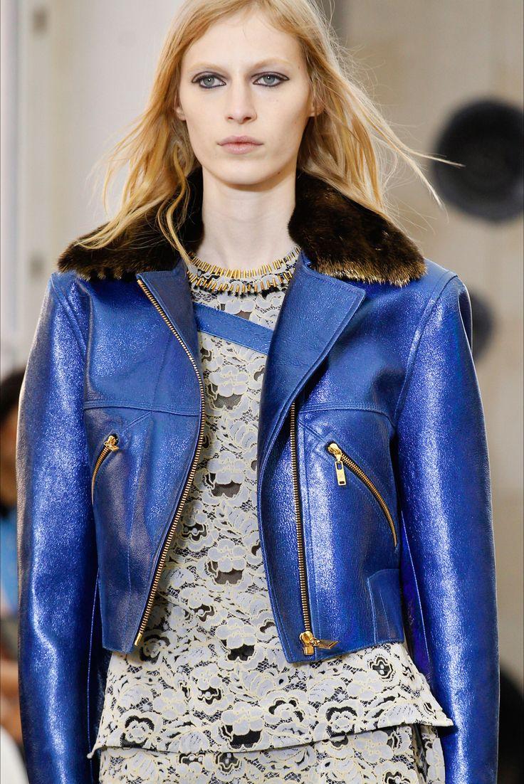 Sfilata Louis Vuitton Parigi - Collezioni Primavera Estate 2017 - Dettagli - Vogue