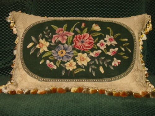 VINTAGE VICTORIAN FLORAL NEEDLEPOINT PILLOW