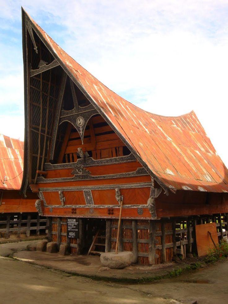 WOODEN HOUSE , SAMOSIR ISLAND , LAKE TOBA, SUMATRA , INDONESIA