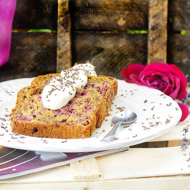 #Raspberry bread for a sweet start of the week! Happy Monday! #raspberry #raspberrybread #sweet #monday #startoftheweek #luni #chec #zmeura #frisca #inceputdesaptamana #culinarim #aventuriculinarein2