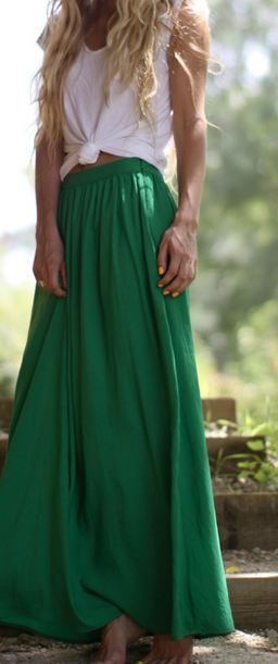 green maxi skirt: Fashion, Style, Knotted Tee, Long Skirts, Spring Summer, Outfit, Maxiskirt, Green Maxi Skirts