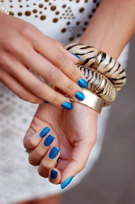 Royal blue nails