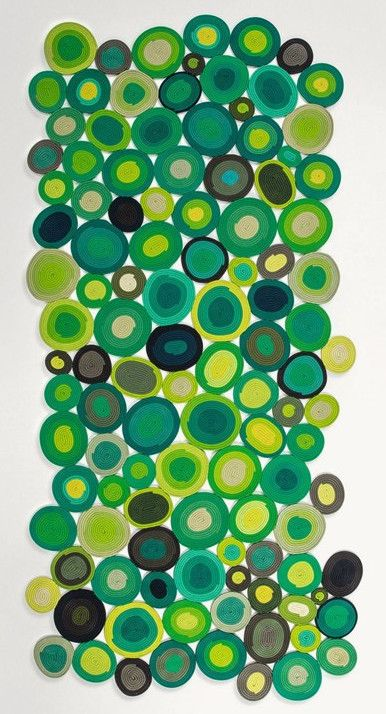 Handmade #rug with geometric shapes ELLISSE by Paola Lenti #green @paola_lenti
