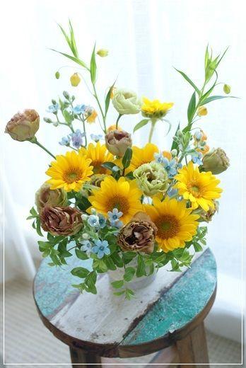 【今日の贈花】わんこへ 可愛いお供えのお花♪ Flower note の 花日記 (横浜・上大岡 アレンジメント教室)