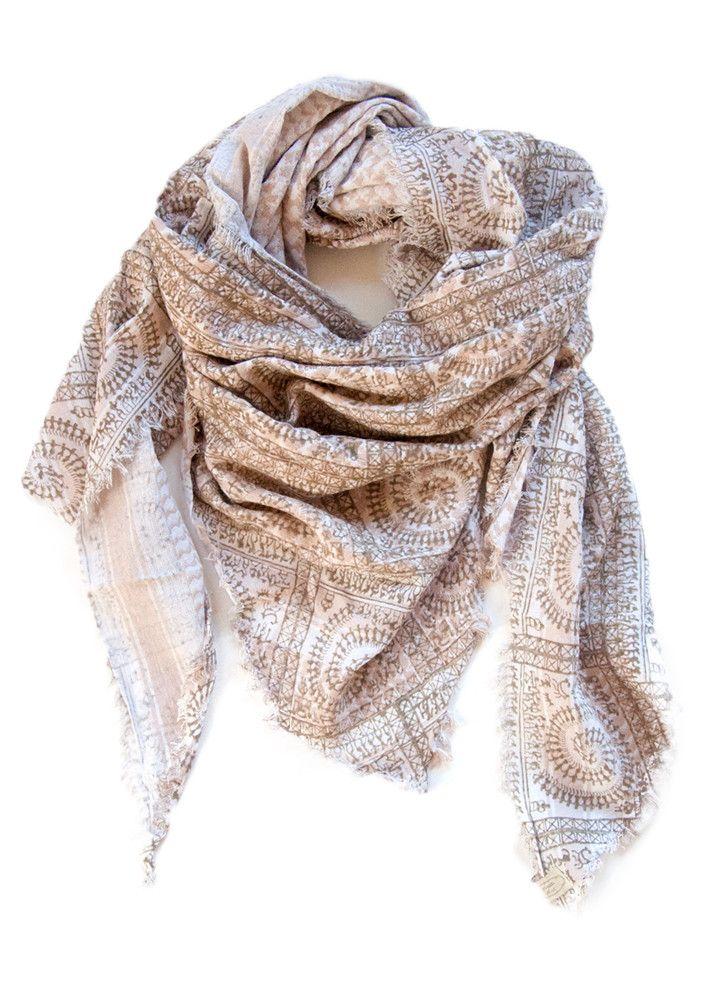 Cream Cathy Scarf Winter Rose 656607 Mønstervævet trekantet tørklæde – acorns