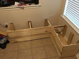 Reclaimed Wood Pallet Storage Bench