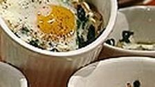 Kokott med spenat och ägg | SVT recept