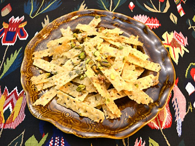 Parmesanflarn med nötter (kock Ernst Kirchsteiger)