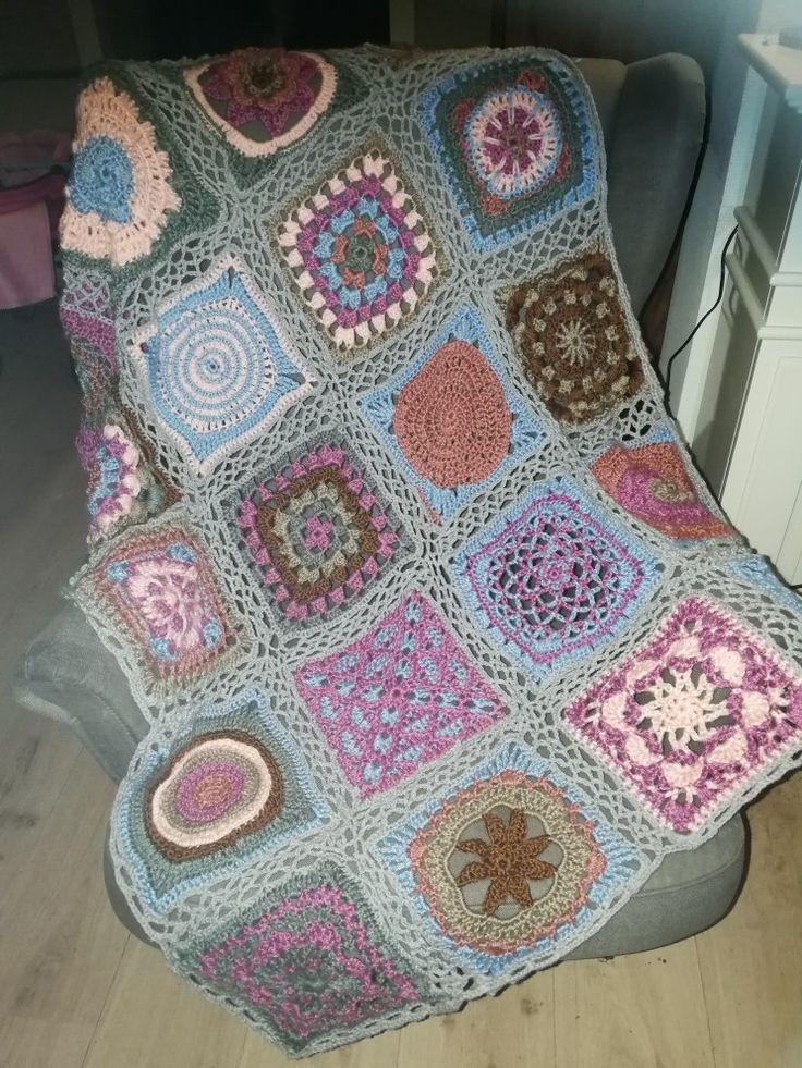 De CAL deken van simply haken is af. Van januari tot nu aan gewerkt en trots op het eindresultaat. #simplyhaken#cal
