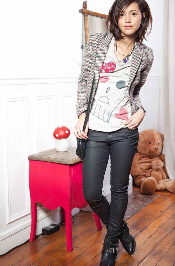 Tweed jacket with skinnies and graphic tee