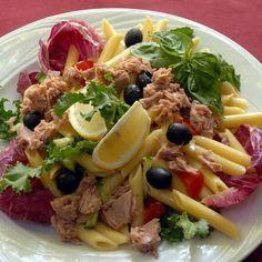 Olajbogyós-tonhalas tésztasaláta Recept képpel - Mindmegette.hu - Receptek