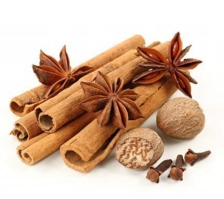 O óleo essencial de canela é um produto com imensos benefícios e, fazê-lo em casa é bem simples :) #canela #óleoessencial