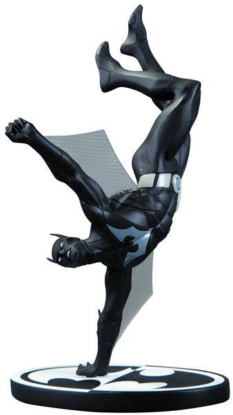 Super awesome sculpt! Batman Black And White Batman Beyond Statue