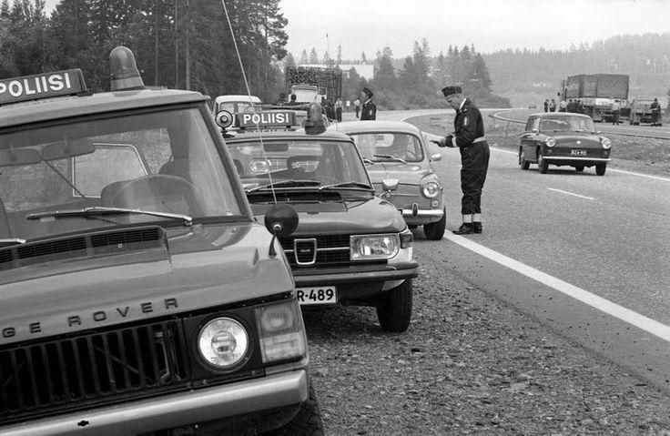 Nopeusrajoituksia alettiin ottaa käyttöön 1973. Kuva on Kuopiosta vuodelta 1974.