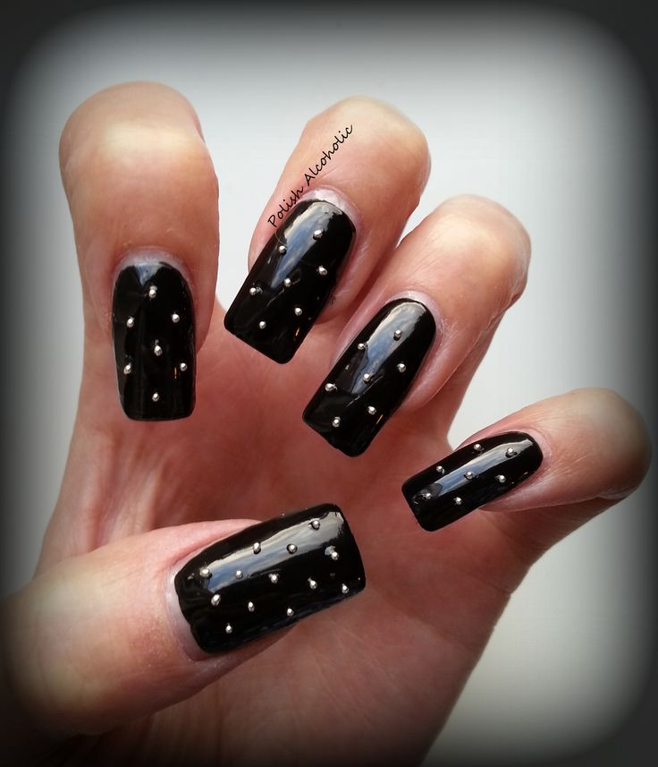 Stud Nails For That Little Black Dress #IPAProm