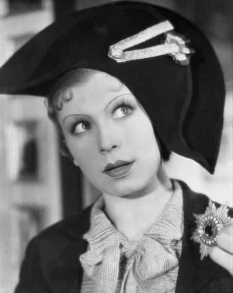 """Lena Żelichowska w filmie """"Jego wielka miłość"""", 1936  (fot. Zbiory Filmoteki Narodowej)"""