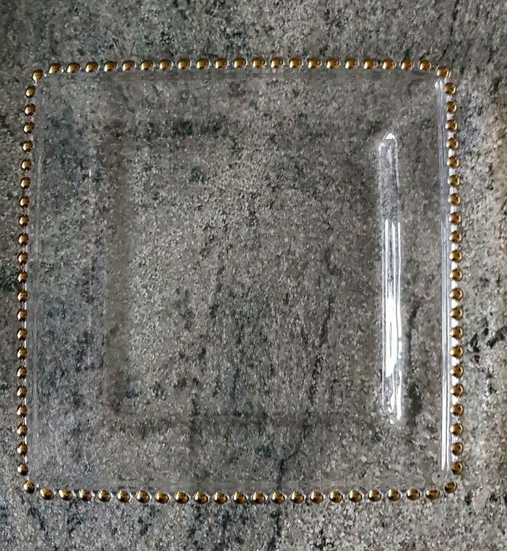Plato Base Perla Grande Cuadrado Al igual que el redondo, somos los únicos en producirlo en policarbonato  y aluminio en el mundo. Precio: $125.00. Tamaño: 33 cms. por lado.  Informes sólo por whatsapp 5512781514,  a profesionales con Antonio Sánchez.