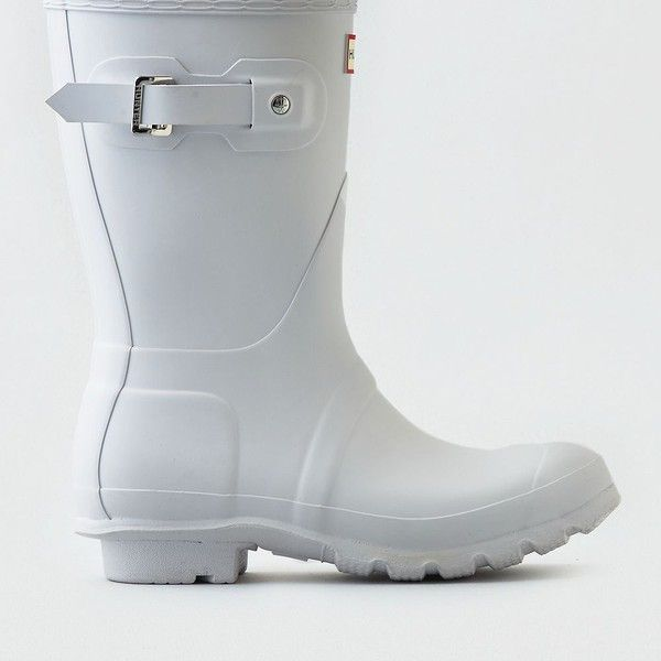 Hunter Original Short Rain Boot ($140) ❤ liked on Polyvore featuring shoes, boots, white, wellington boots, waterproof rubber boots, white rubber boots, waterproof boots and white boots