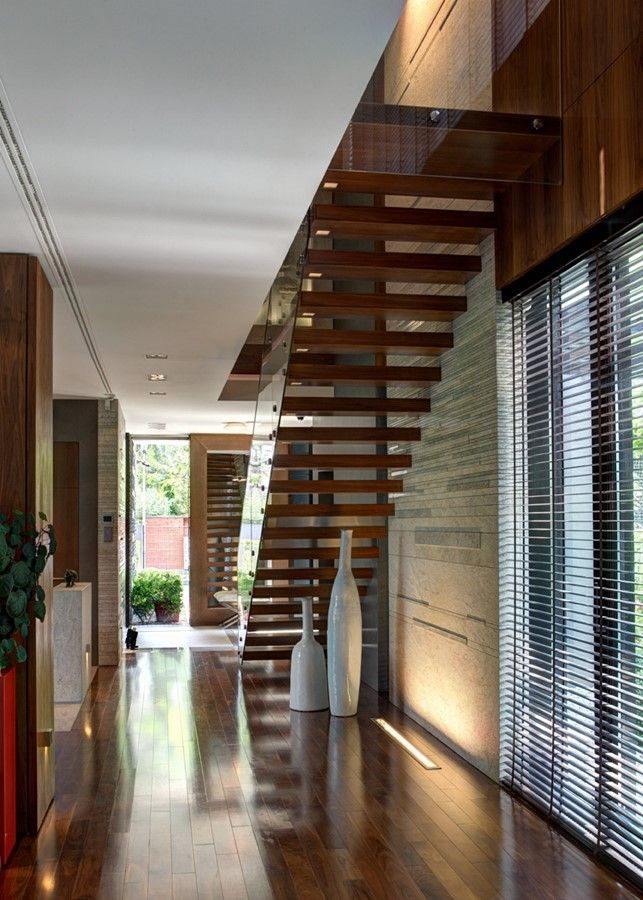 Drewno w nowoczesnym przedpokoju stairs schody wood drewno design interior