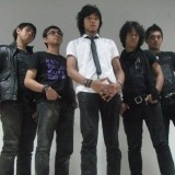 Zigaz adalah band pop rock asal kota jakarta yang terbentuk pada tanggal 19 juli 2006.Dengan formasi Zian (vokal), Aziz (keyboard/gitar), Ebby (bass), Raindy (gitar), dan Ramdhany (drum).