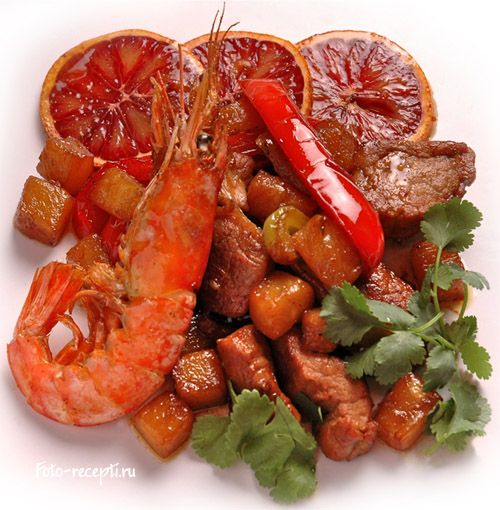 Рецепт приготовления свиной вырезки с ананасами, лимонной травой, красными апельсинами и креветками