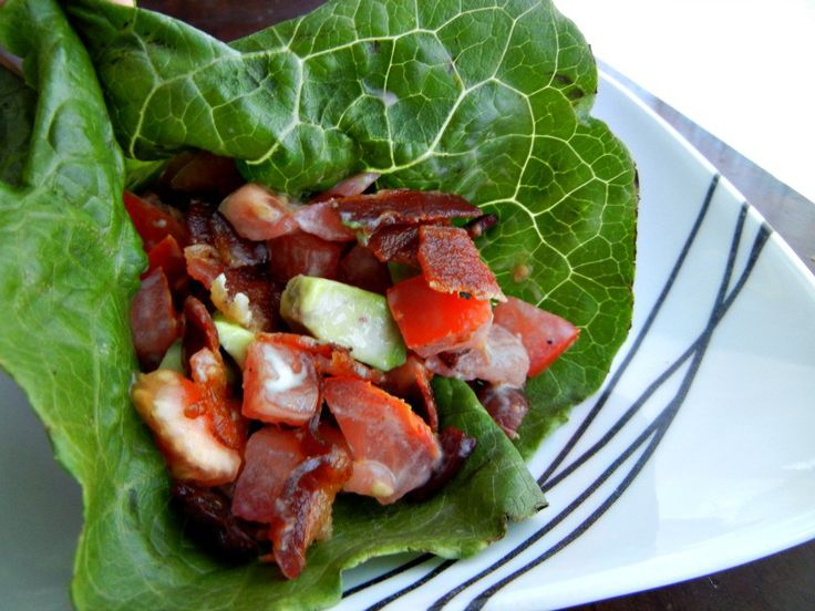BLT lettuce wraps! Wash lettuce leaves and pat dry. Cook lean bacon and crumble. Add crumbled bacon, chopped tomato and chopped avocado to the lettuce leaves. If desired, mix a little lime juice into plain Greek yogurt and drizzle onto your wrap.
