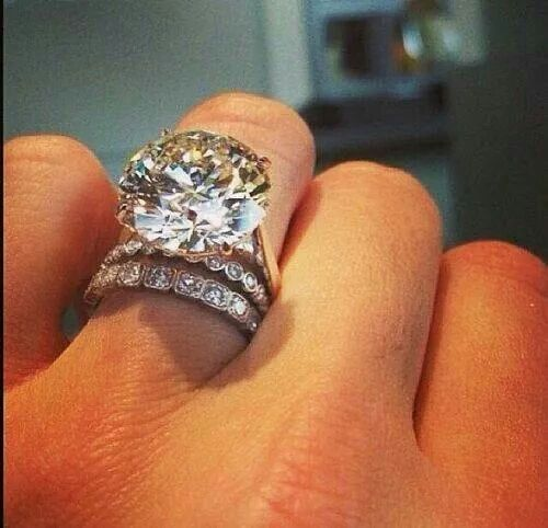 Best 25+ Huge diamond rings ideas on Pinterest | 3 carat ...