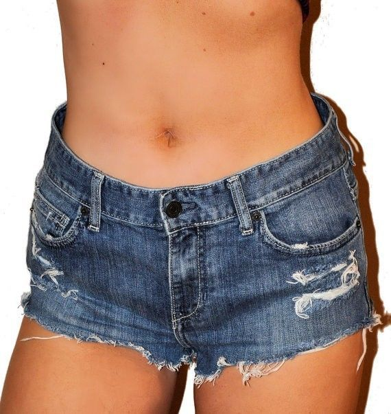 how to cut jeans into frayed shorts
