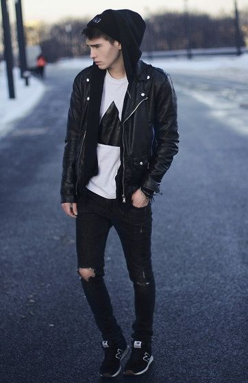 Black triangle t shirt, black jeans and leather moto jacket