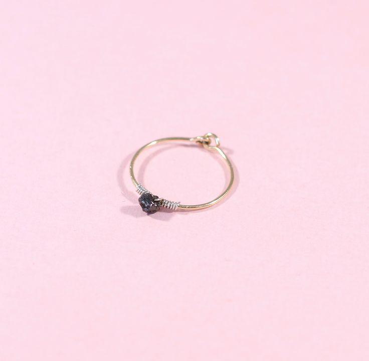 Bague en argent ou plaqué or avec 1 petit diamant brut