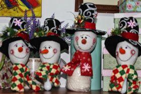 LABORES DE LILIANA: Maracas navideñas decoradas