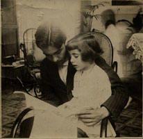 Federico García Lorca con su hermana.