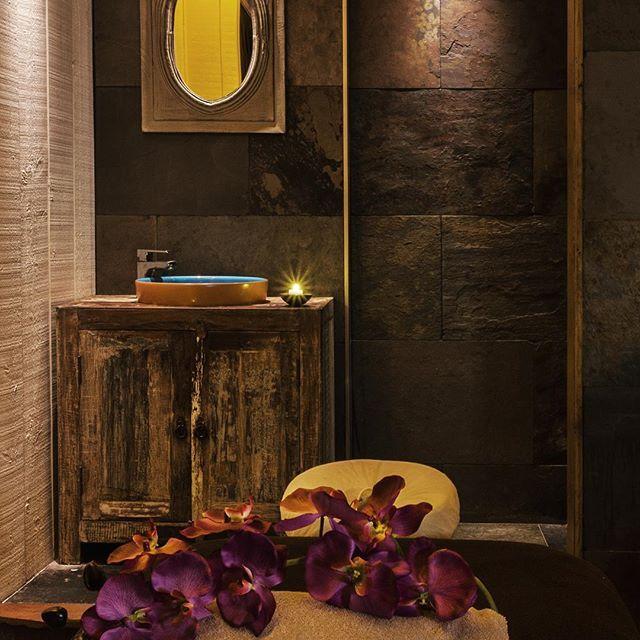 🌸 Découvrez notre Spa à l'Hôtel Le Lion D'Or 🌸  #spa #massage #piscine #detente #repos #bienetre #hotel #normandie #normandy #calvados #deauville