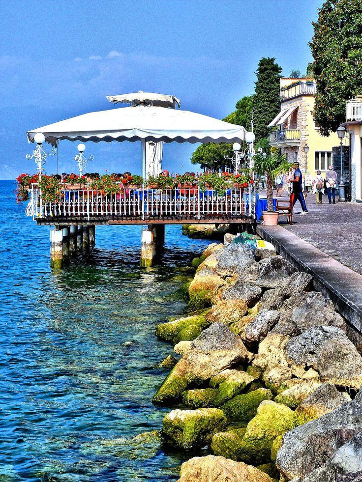 Lago di Garda #Italy johnenpieter.com Lombardy