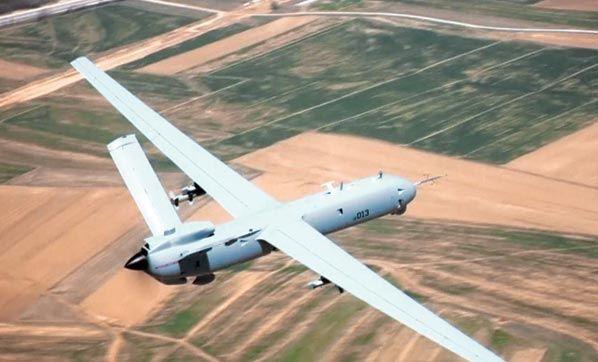 Türk Havacılık ve Uzay Sanayi (TUSAŞ) tarafından geliştirilen İnsansız Hava Aracı ANKA, ilk silahlı operasyonunu bugün sabah saatlerinde Bingöl'de gerçekleştirdi. Askeri birliğe saldırı hazırlığında olan Bingöl Yayladere yakınlarındaki teröristlere ANKA Roketsan tarafından geliştirilen MAM-L mühimmatı attı. Operasyonda 5PKK'lı terörist etkisiz hale getirildi.   #anka #operasyon #Türk Havacılık #TUSAŞ
