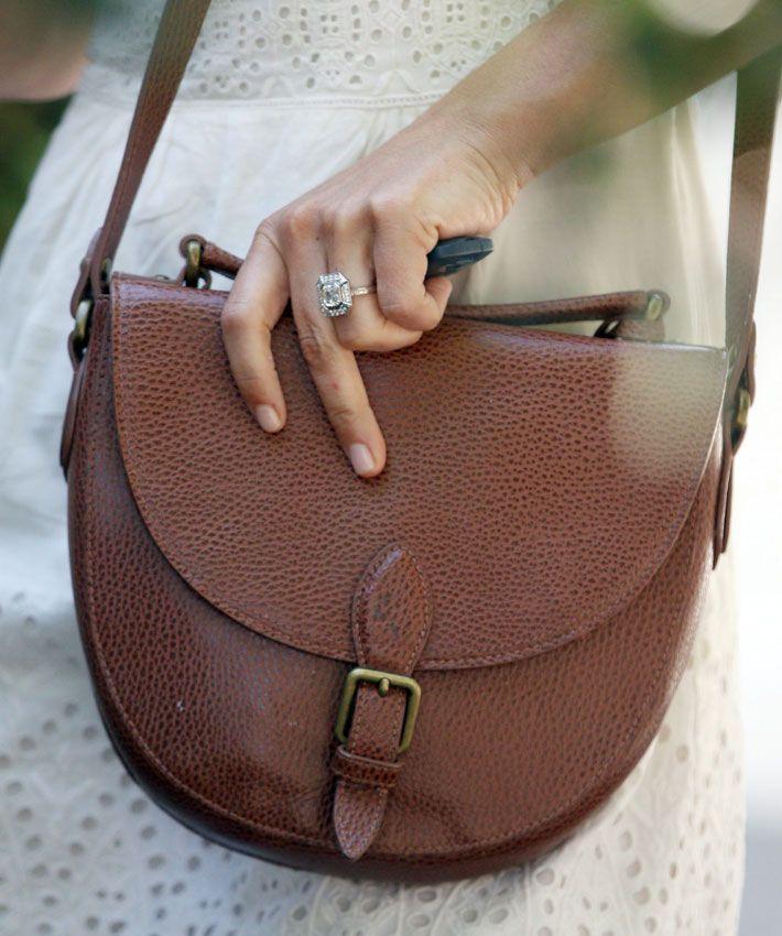 Pippa Middleton reaparece blanca, radiante... ¡y presumiendo de anillo de compromiso!