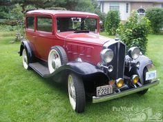 1932 Pontiac Model 402 Deluxe Sedan