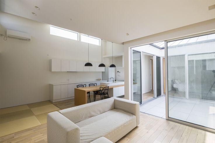 専門家:Akihiko Hirukawaが手掛けた、リビング3(中庭のある平屋の家)の詳細ページ。新築戸建、リフォーム、リノベーションの事例多数、SUVACO(スバコ)