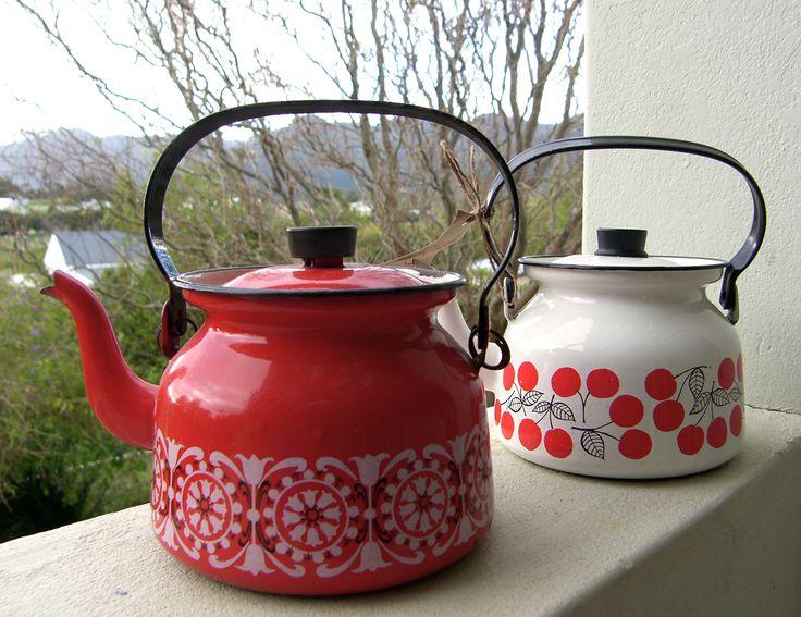 Top/camping retro kettles...  beatnikbazaar.blogspot.com