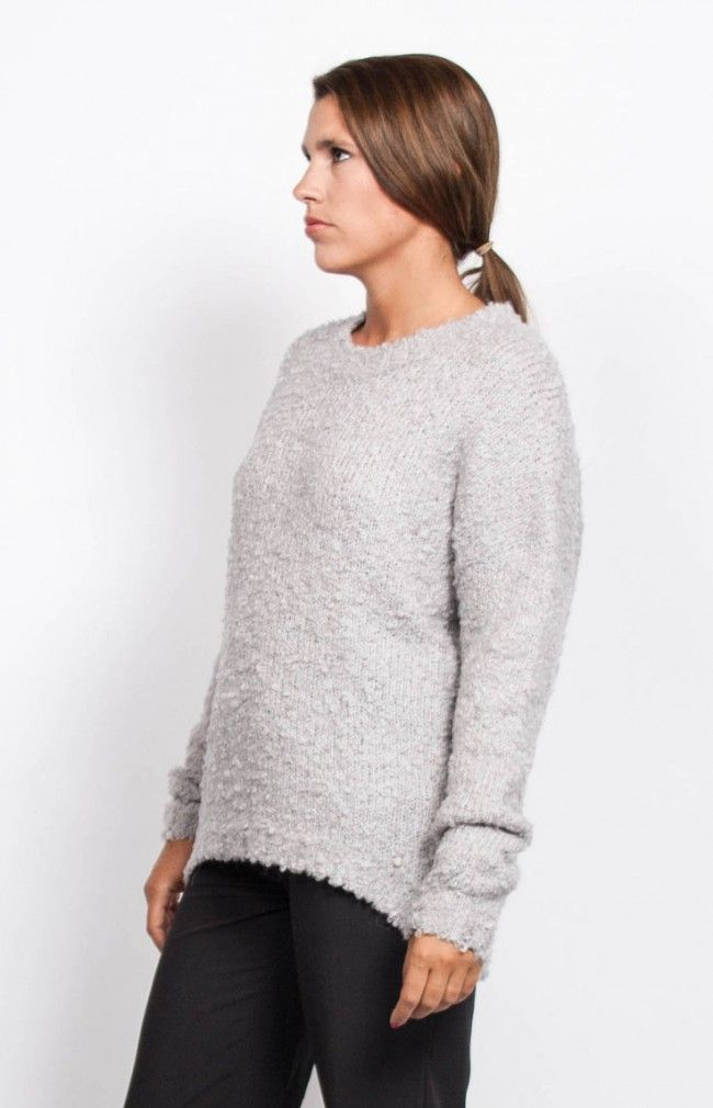 MILOU Knitted long sleeve sweater in silver with crew neck and drop shoulders.  #anglestore #silver #wool #fashion #barcelona #knitwear #sweater