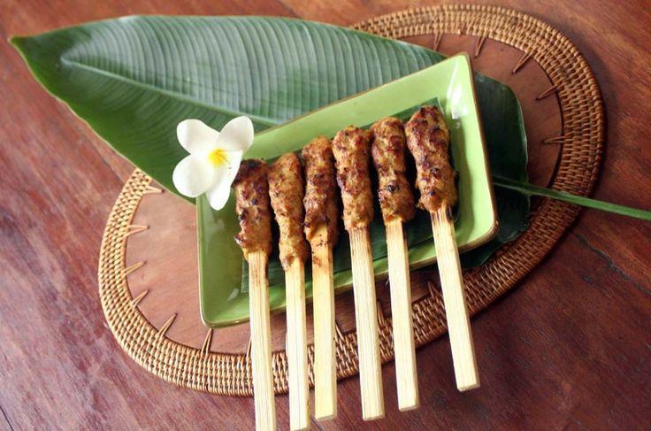 Sate ili ražnjići na Bali način :)  #travelboutique #bali #hrana #food #putovanje