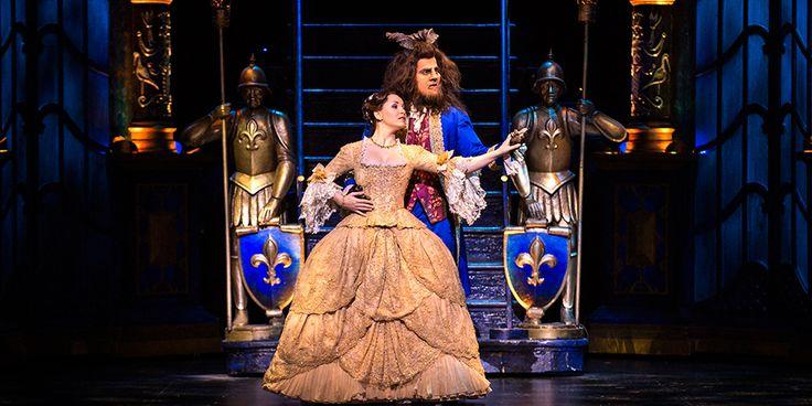 La Belle et La Bête le musical comédie musicale Vincent Niclo chanteur Manon Taris chanteuse au Théâtre Mogador Paris spectacle Disney - Beauty and the beast