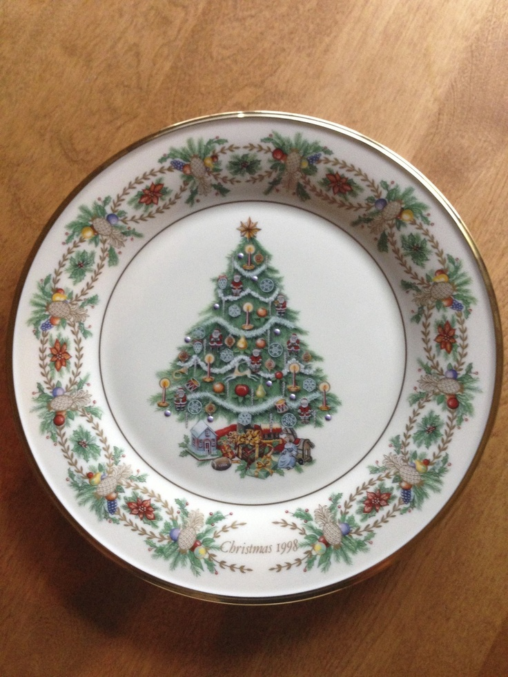 Lennox Christmas Dishes