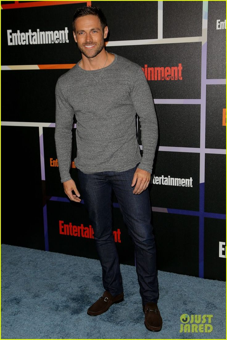 Orphan black t shirt uk - Orphan Black S Dylan Bruce Shows Us Why He Is Hot Paul Photo