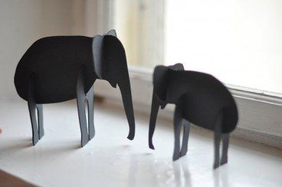 Knutsels gemaakt van karton. Olifant
